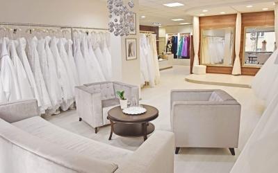 Svatební šaty v salonu EL – Jak to probíha?